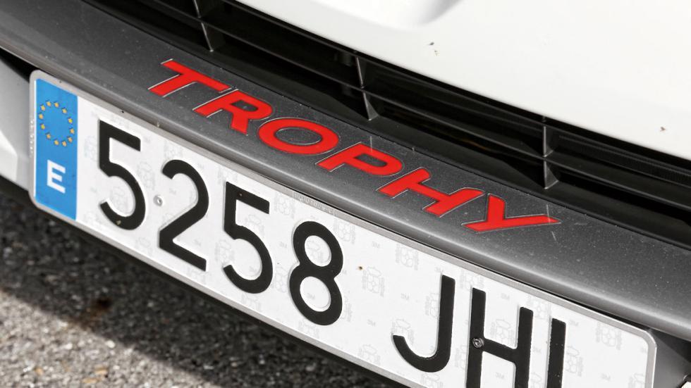 Renault-Clio-Trophy-RS-detalle-trophy
