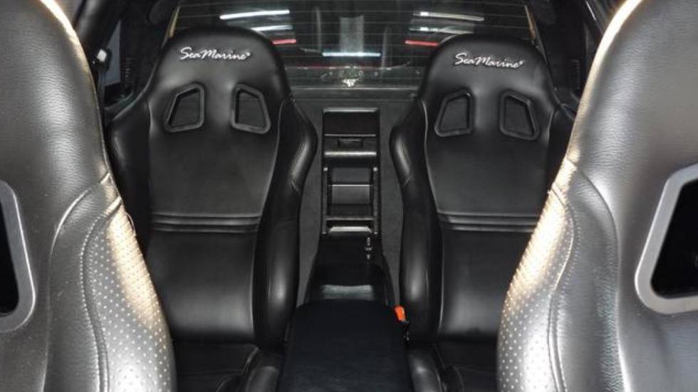 Ferrari F40 limusina interior