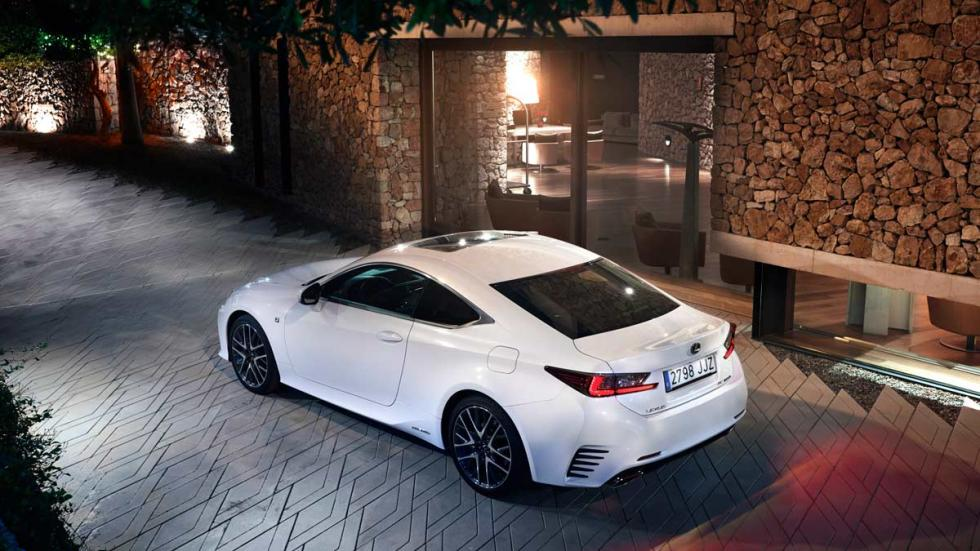 Lexus RC 300 h, lateral
