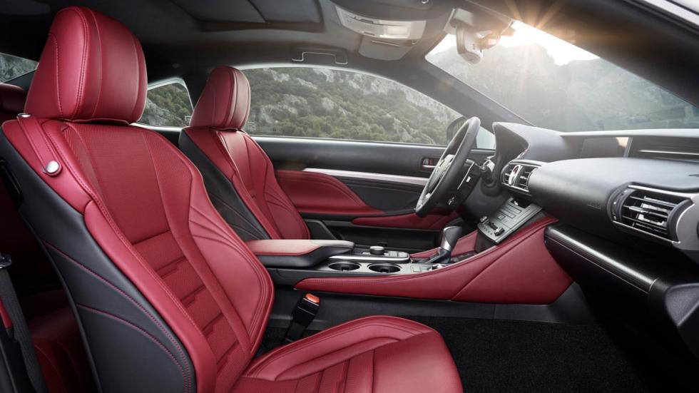Lexus RC 300h, asientos