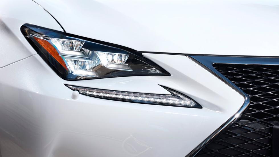 Lexus RC 300h, ópticas delanteras