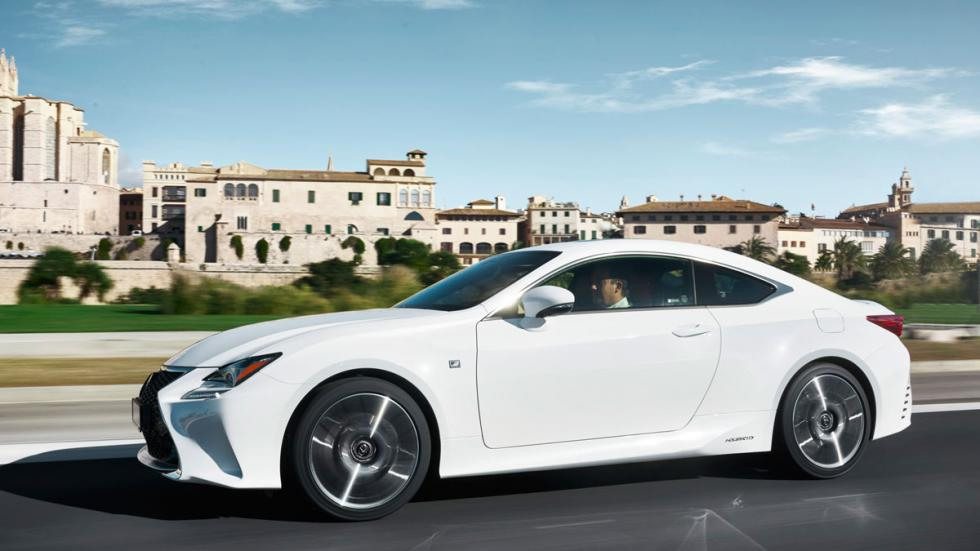 Lexus RC 300h, lateral