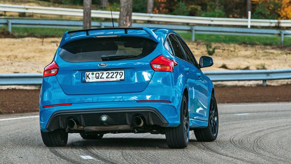 Ford Focus RS 2016 trasera