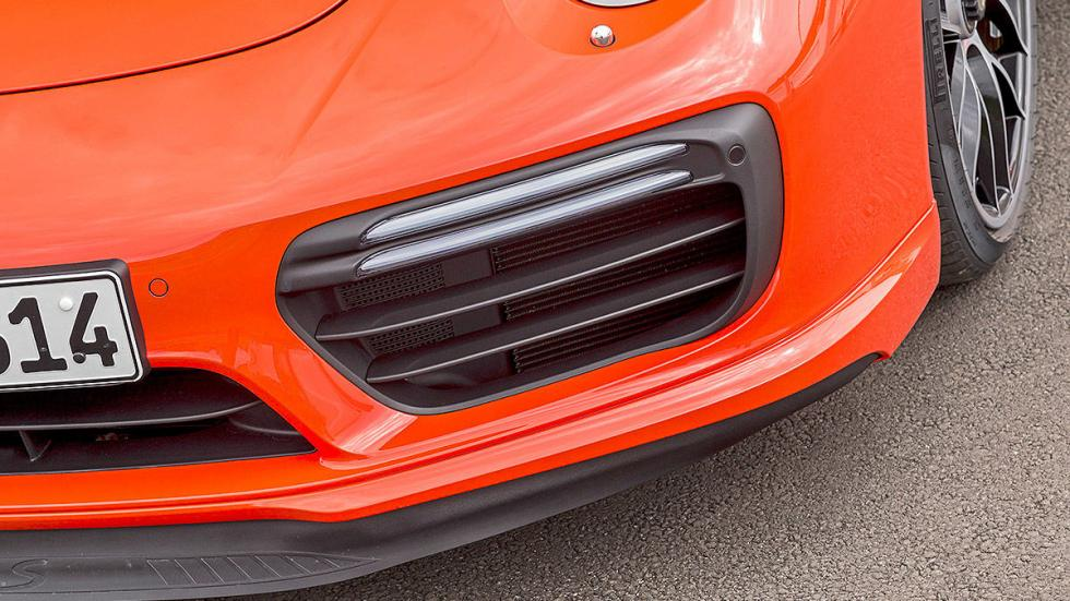 Porsche 911 Turbo S 2016 detalle faldón