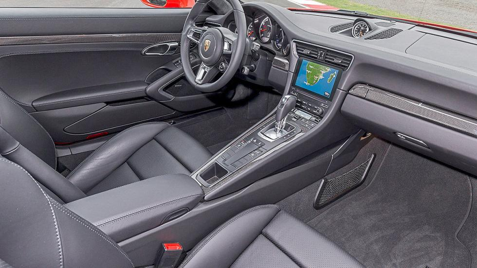 Porsche 911 Turbo S 2016 interior