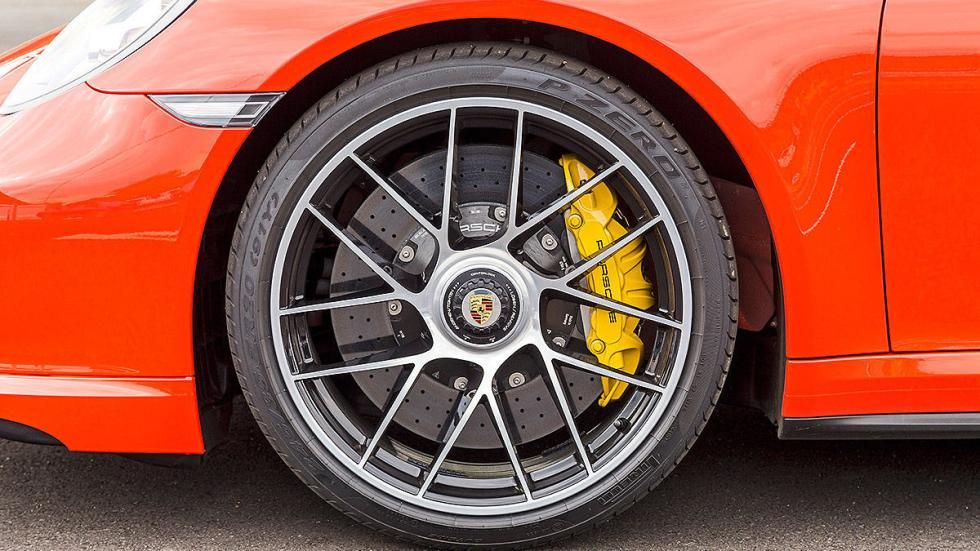 Porsche 911 Turbo S 2016 interior llanta