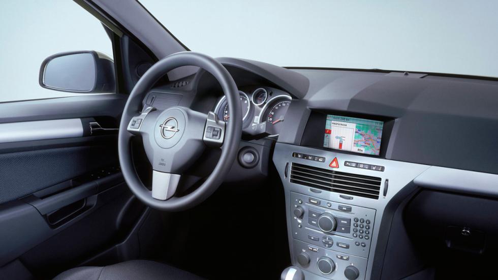 Opel Astra H interior