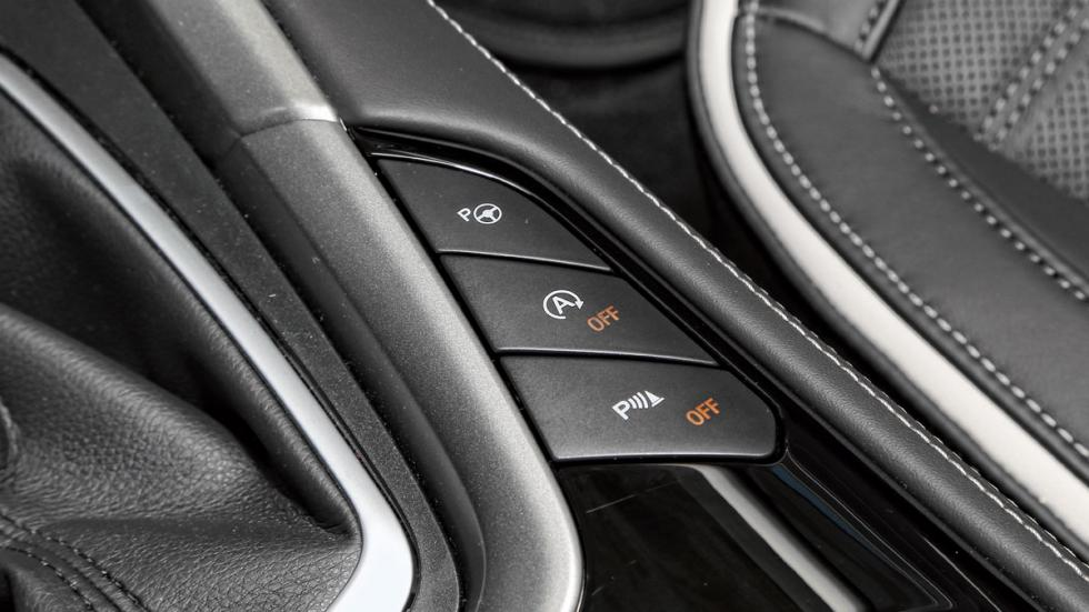 Ford Mondeo SW Vignale asistentes a la conducción