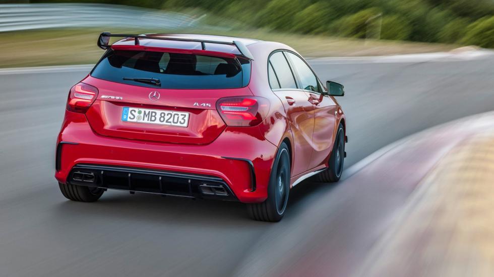 compactos-más-potentes-2016-Mercedes-AMG-A45-zaga