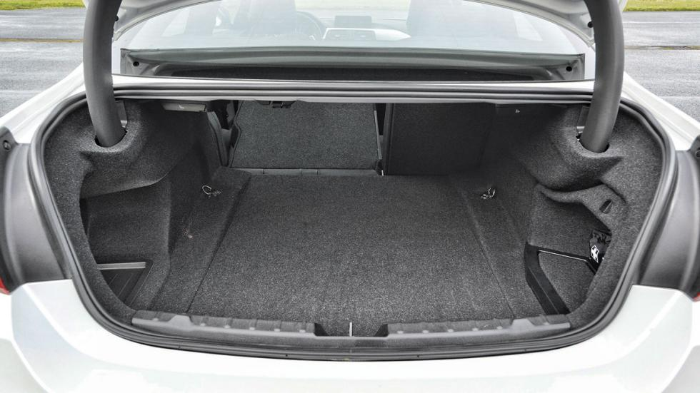 BMW Serie 4 Coupé maletero