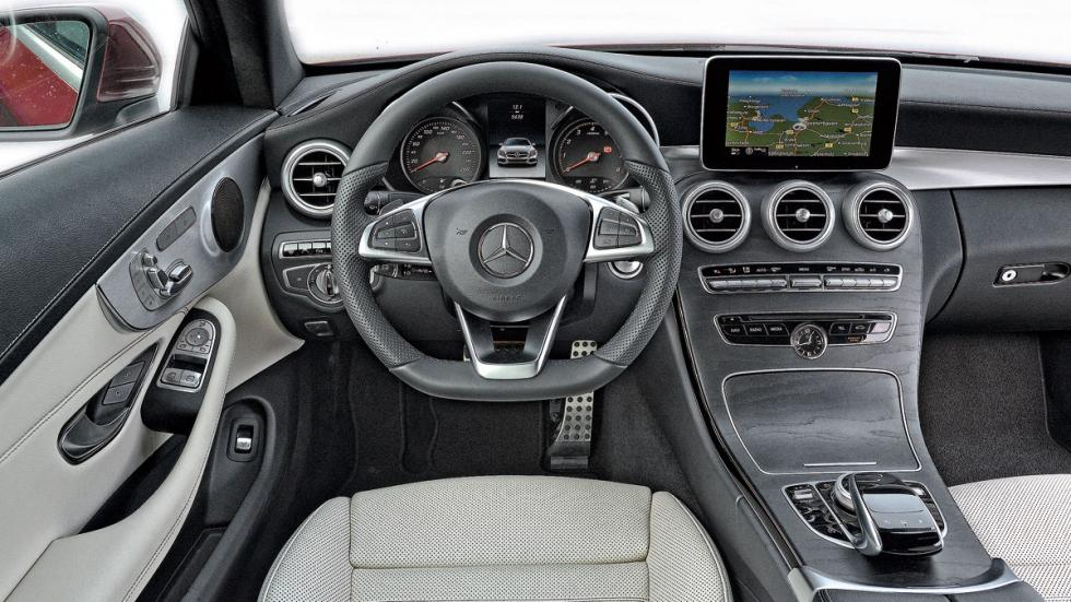 Mercedes C Coupé salpicadero