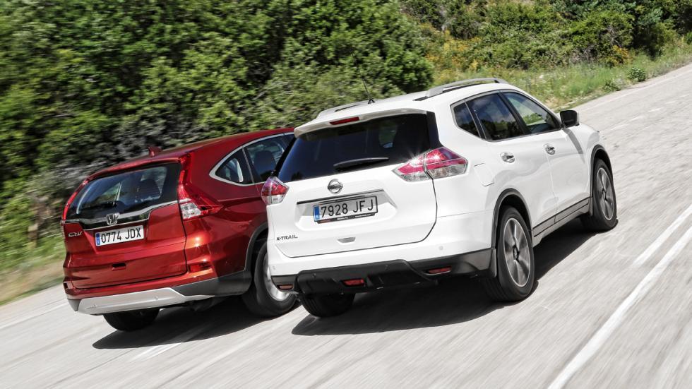 Honda-CR-V-Nissan-X-Trail-tres-cuartos-trasera