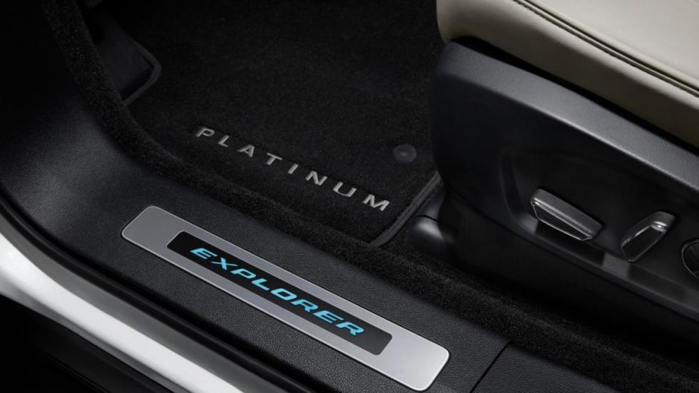 detalle ford explorer platinum