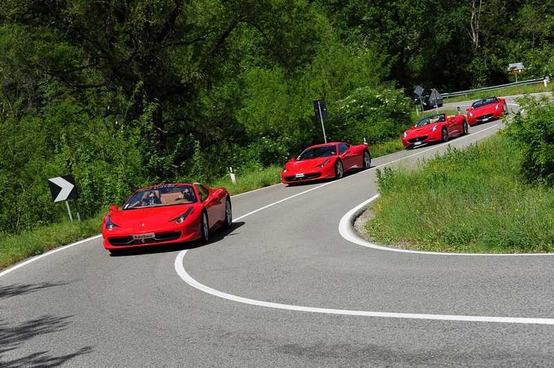 conduce ferrari carreteras italia