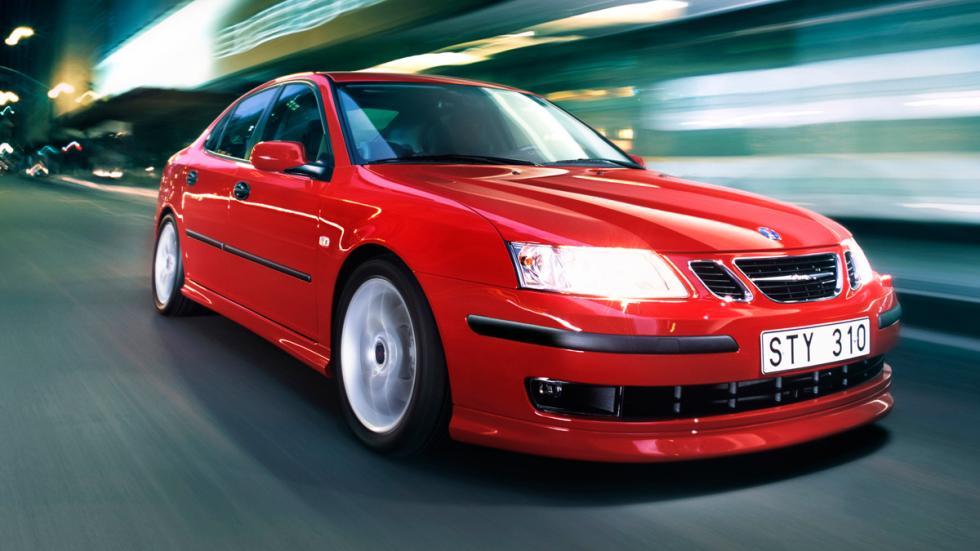 Saab 9-3 delantera roja