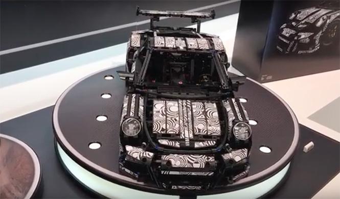 Lego Technic Porsche 911 GT3 RS 3