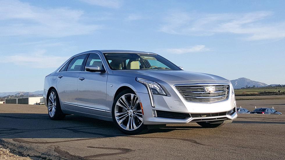 Cadillac CT6 indicadores tres cuartos