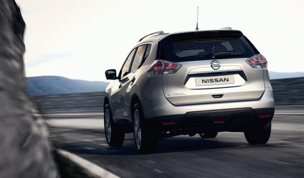 Nuveo Nissan X-Trail 2014 trasera dinámica