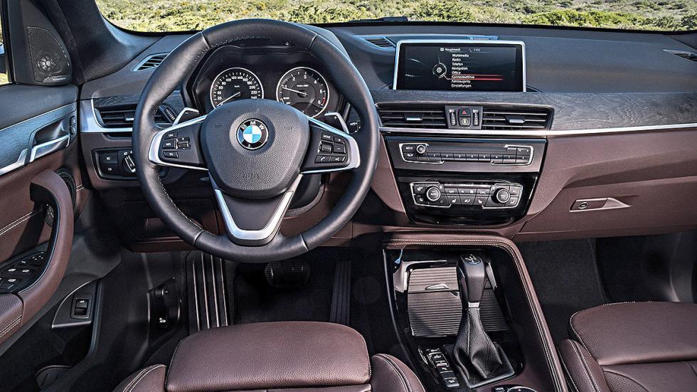 Prueba: BMW X1 2015 detalle volante