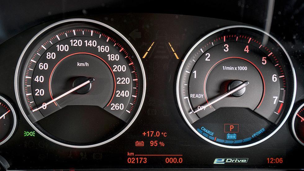 BMW 330e cockpit