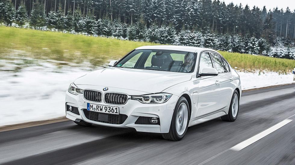 BMW 330e zaga morro