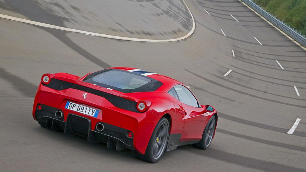 Ferrari 458 Speciale: 325 km/h