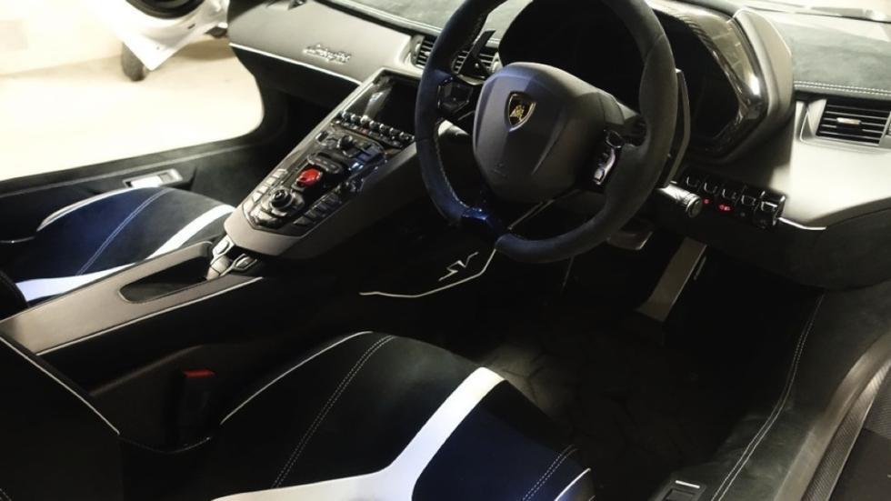Lamborghini Aventador SV interior