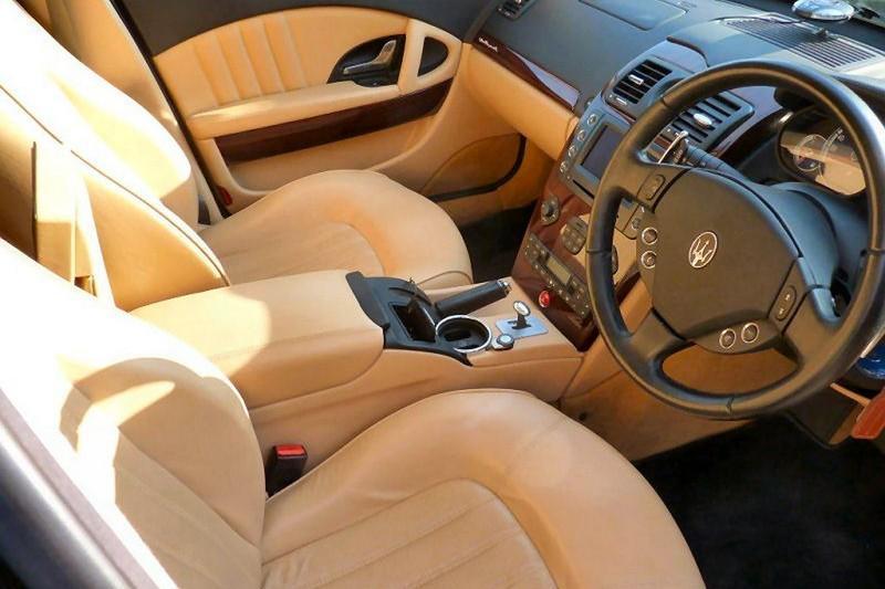 Maserati Quattroporte V Elton John asientos delanteros