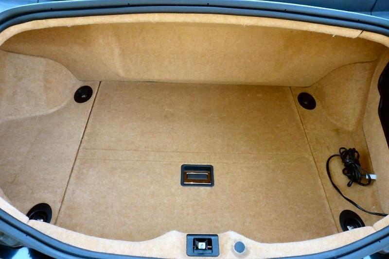 Maserati Quattroporte V Elton John maletero