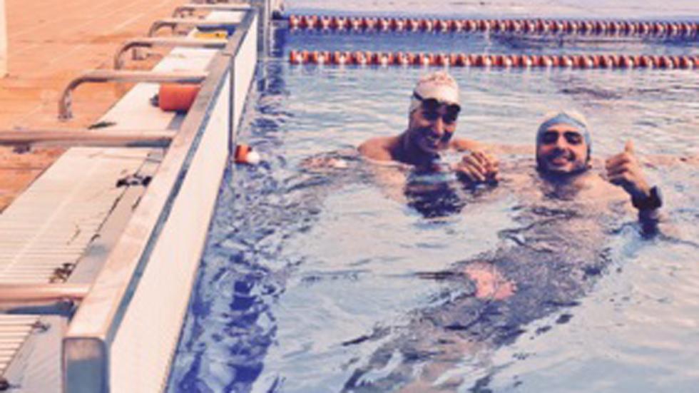 Carlos Sainz Jr. Mario Mola Díaz piscina