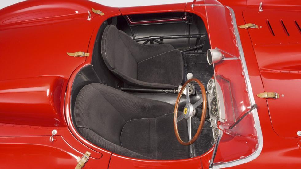 Ferrari 335 S Scaglietti asientos
