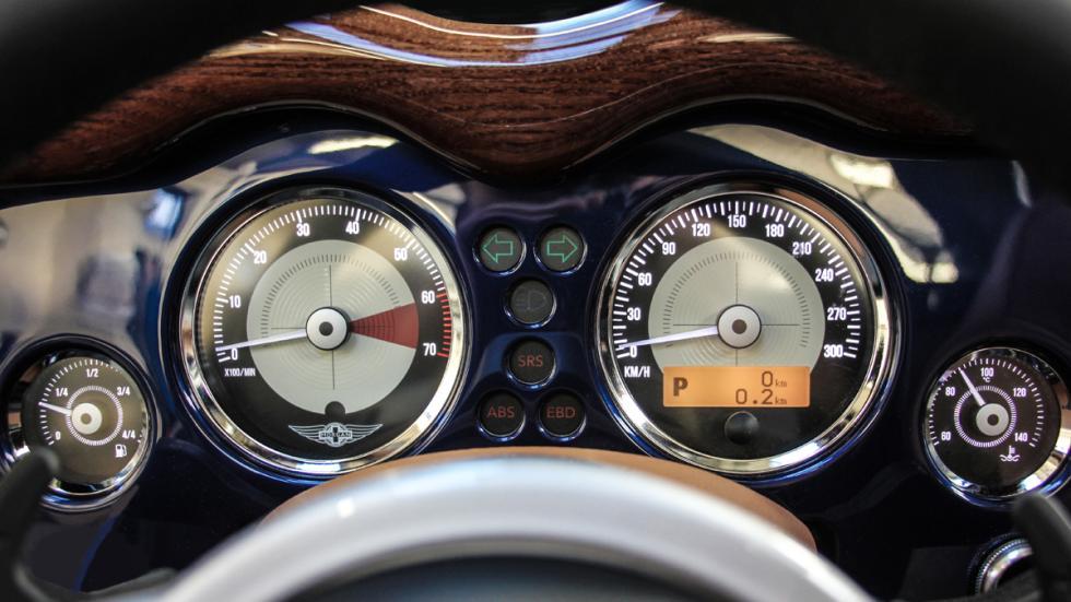 cuadro instrumentos morgan aero 8