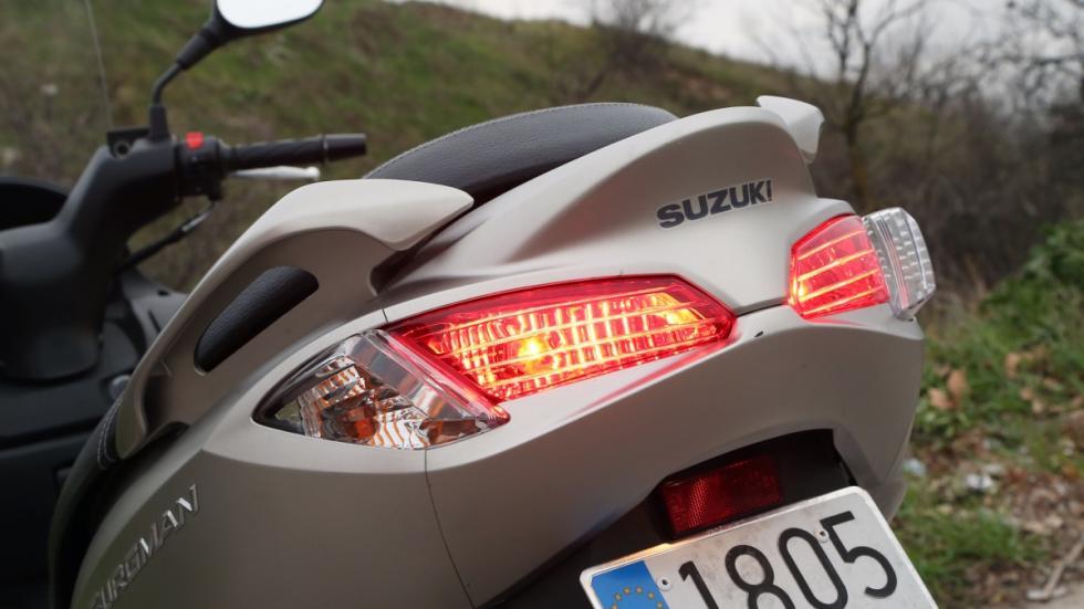 Prueba-Suzuki-Burgman-125-ABS-pilotos