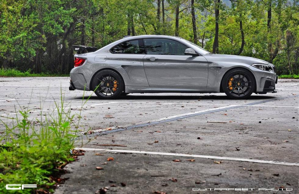 BMW M235i by Manhart lateral