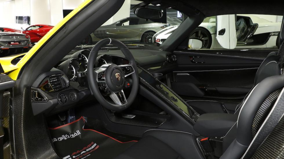 Ser el porsche panamera un 918 de cuatro plazas - Porsche 918 interior ...