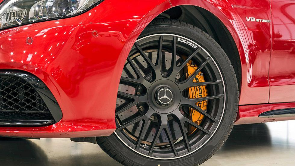 Mercedes-AMG CL lateral llanta