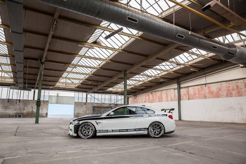 BMW M4R by Carbonfiber Dynamics lateral