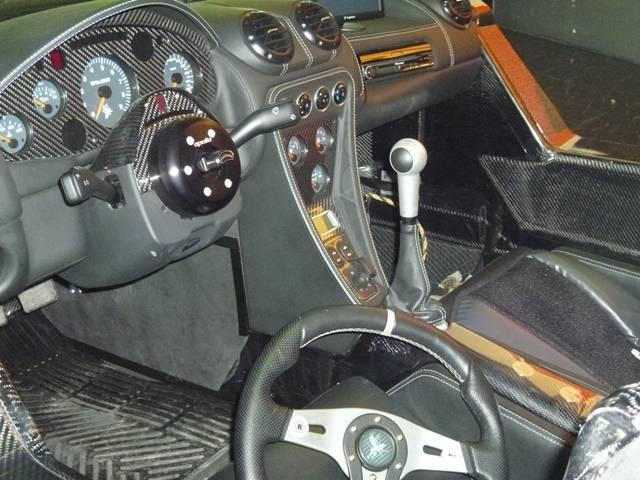 Gumpert Apollo Sport interior