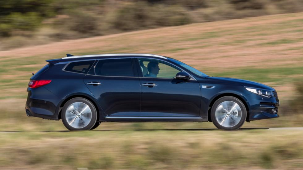 Kia-Optima-Sportswagon-2016-acción-barrido-lateral.jpg