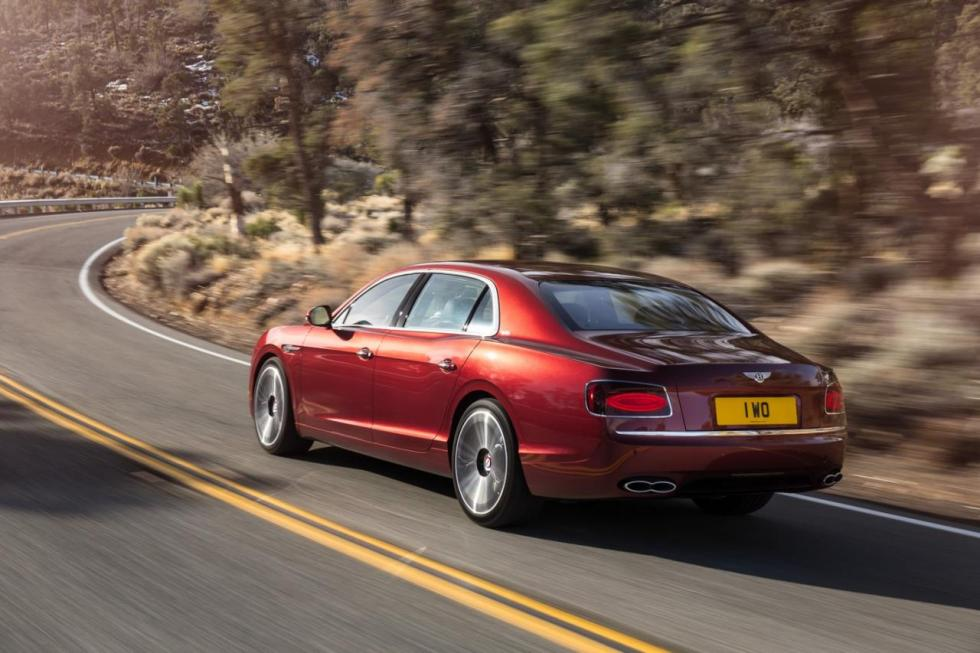 Bentley Flying Spur V8 S tres cuartos traseros