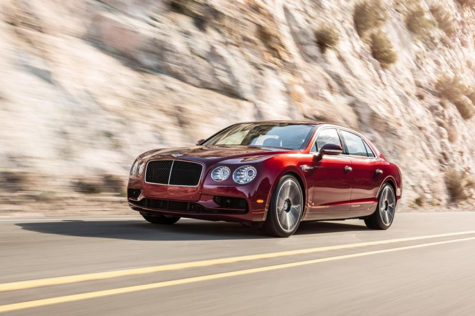 Bentley Flying Spur V8 S tres cuartos delanteros