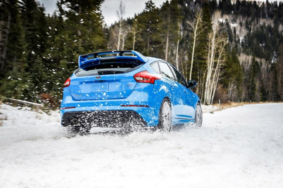 Ford Focus RS 2016 con Winter Pack trasera