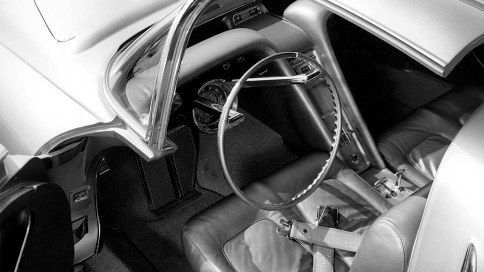 Oldsmobile Golden Rocket interior