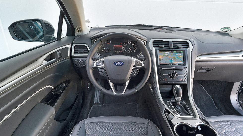 Ford Mondeo Sportbreak interior