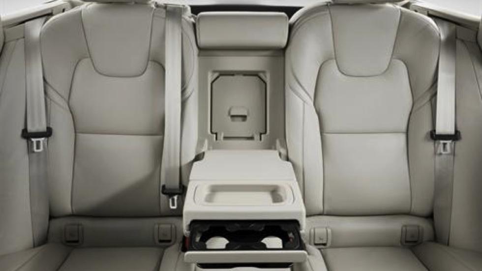 Volvo V90 2017 asientos traseros