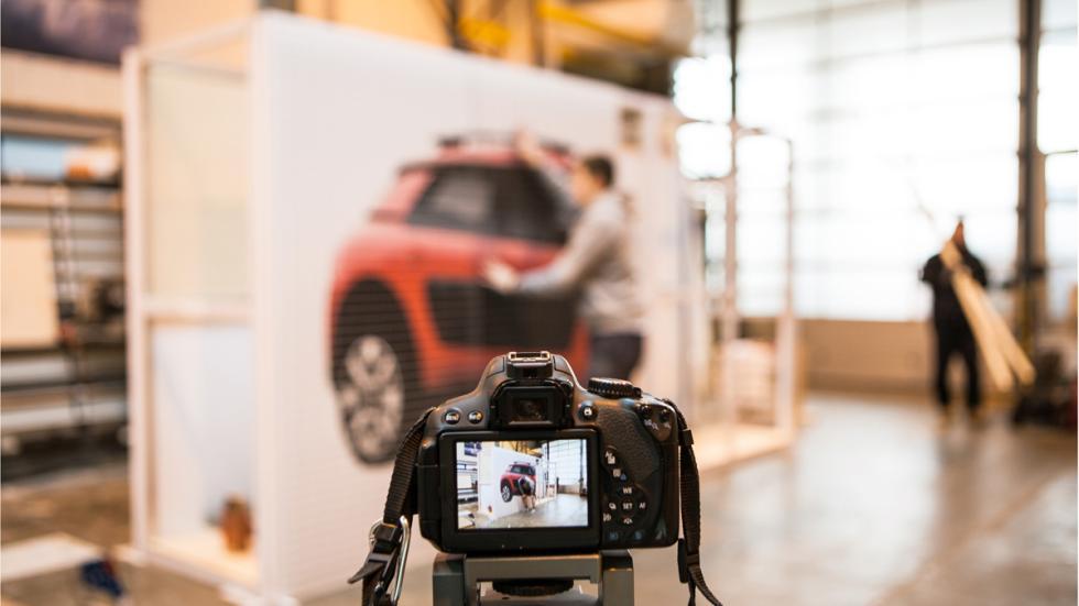 fotografiando coches juguete