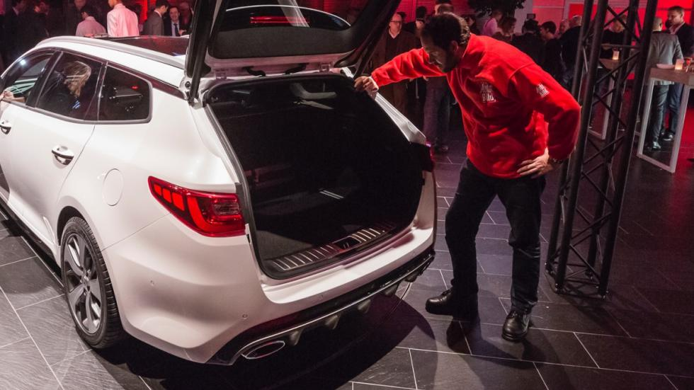 Kia-Optima-Sportswagon-GT-2016-trasera-AUTOBILD.ES-maletero.jpg