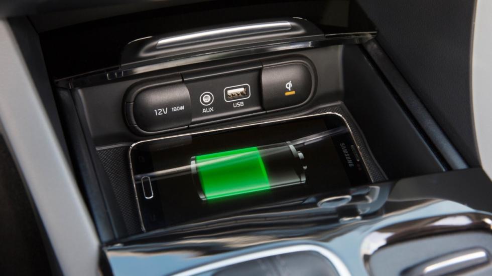 Kia-Optima-Sportswagon-GT-2016-conectividad.jpg