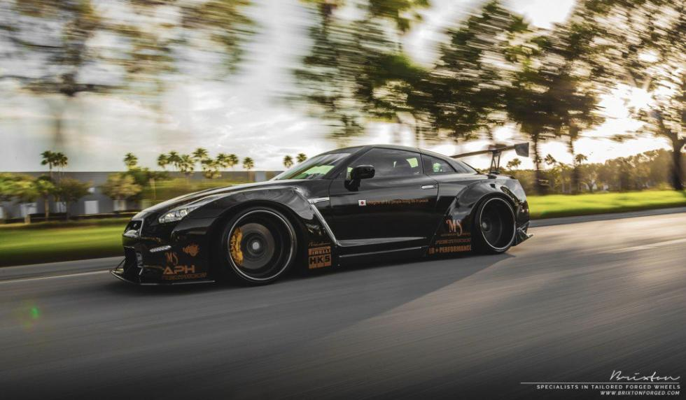Nissan GT-R Liberty Walk lateral