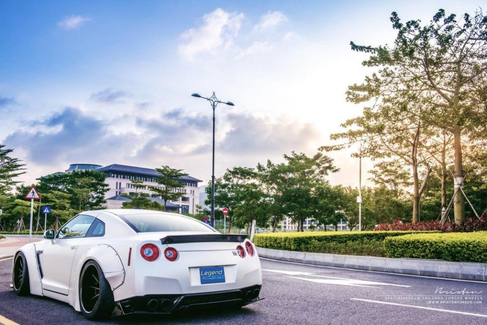 Nissan GT-R Liberty Walk trasera